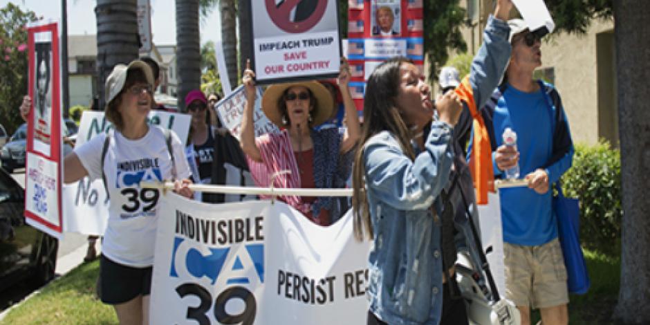 Marchan en 46 ciudades de EU para pedir la destitución de Trump