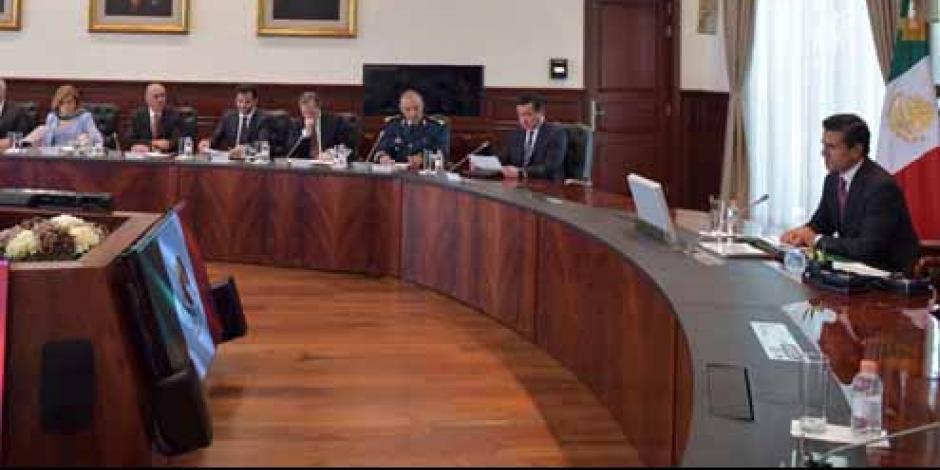 EPN analiza avances en materia energética con gabinete