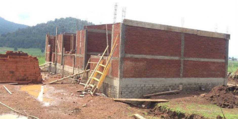 Invierte Michoacán un millón 700 mil en infraestructura educativa
