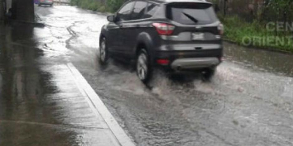 Encharcamientos afectan circulación en CDMX y la México-Toluca
