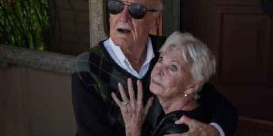 Muere esposa de Stan Lee