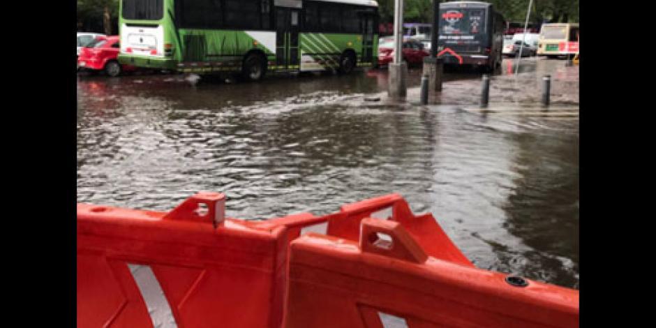 Reportan 5 encharcamientos y 2 árboles caídos  tras lluvia en la CDMX