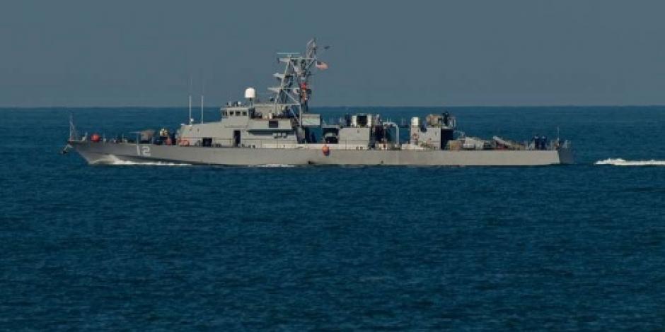 Buque de EU lanza disparos de advertencia a barco de Irán en el Golfo Pérsico