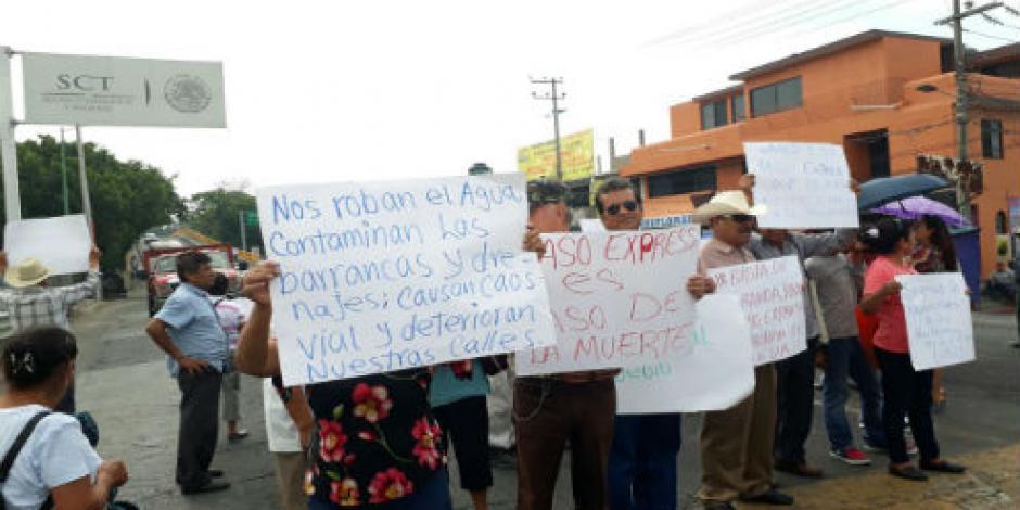 Vecinos protestan en Paso Exprés; exigen presencia de expertos
