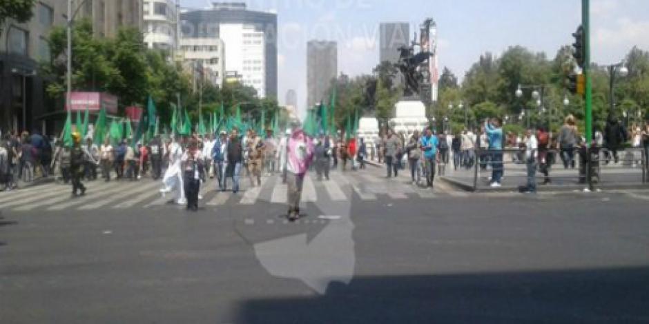 Campesinos marchan en calles de la CDMX