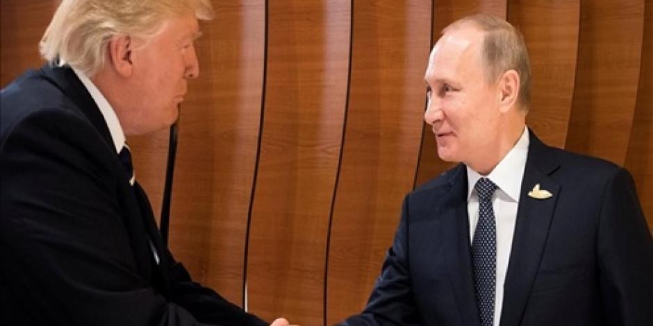 Asegura Putin que convenció a Trump de que Rusia no intervino en comicios