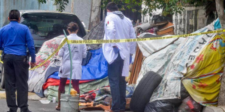 Asesinan a una indigente en Iztacalco; activan protocolo de feminicidio