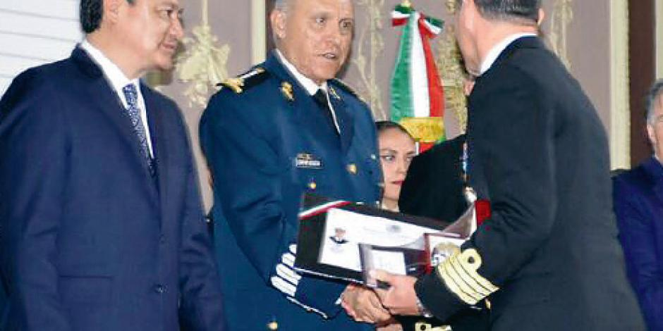 Refrendan apoyo en seguridad graduados de maestría en administración militar