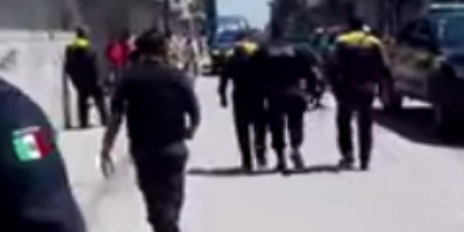 Policía dispara a menor que le arrojó una guayaba