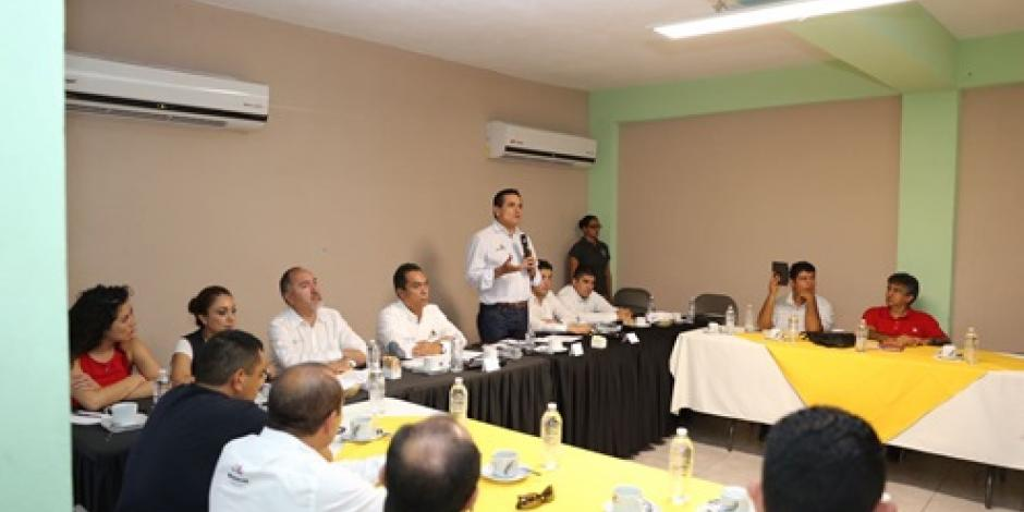 Promete gobernador de Michoacán diálogo para solucionar problemas ciudadanos