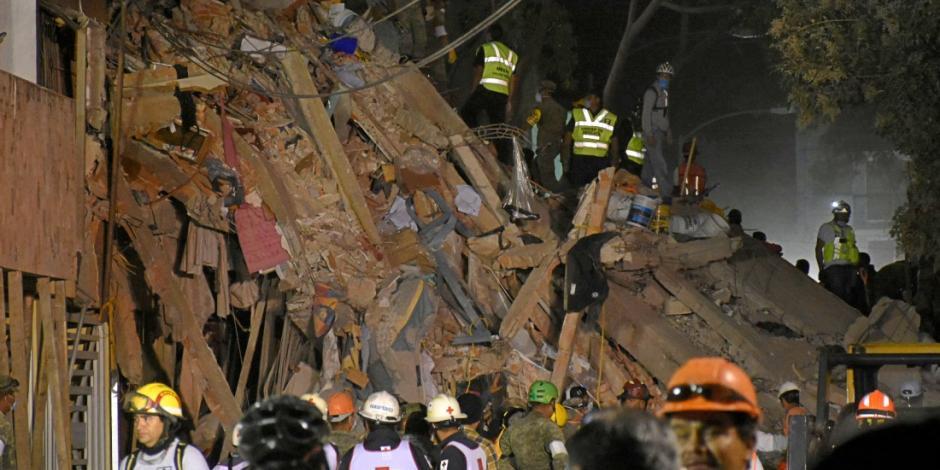 A una semana del terremoto, rescatan 2 cuerpos en la colonia Del Valle