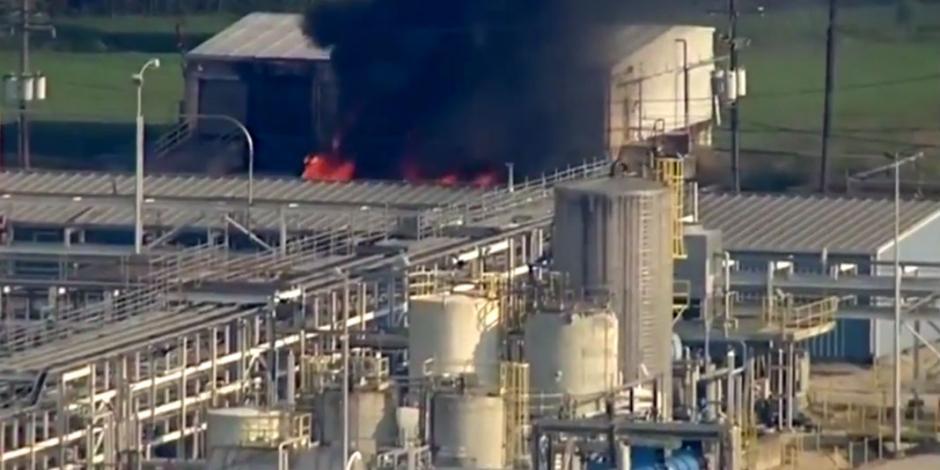 VIDEO: Nuevo incendio tras explosión en planta química de Texas
