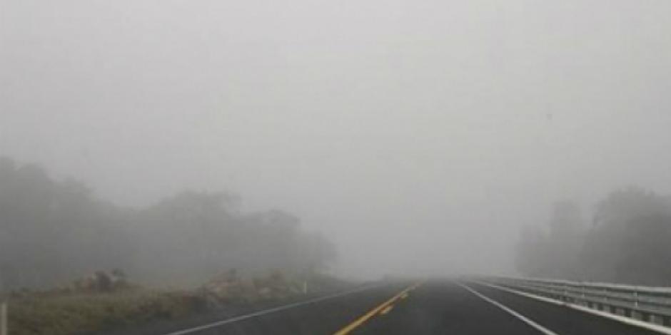Alertan por banco de niebla en carretera México-Cuernavaca