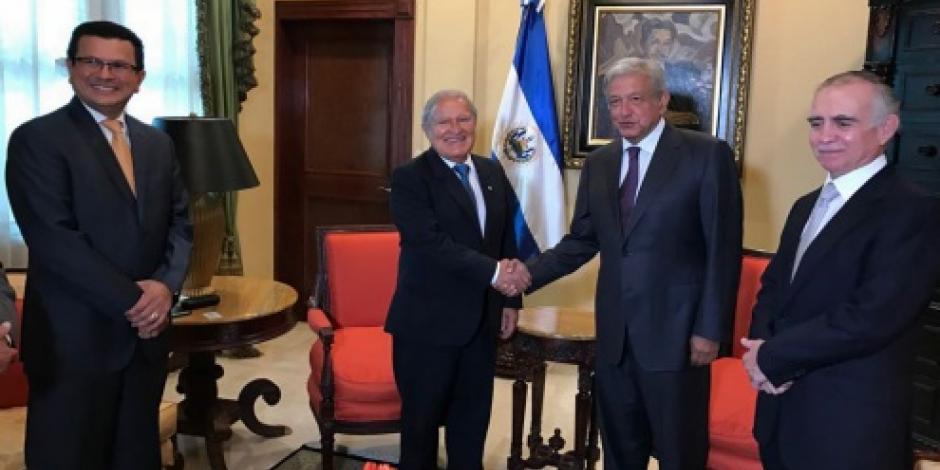 AMLO sostiene encuentro con presidente salvadoreño