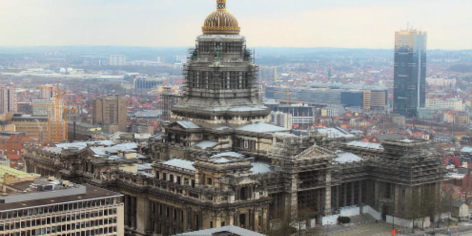 Evacúan Palacio de Justicia de Bruselas debido a vehículo sospechoso