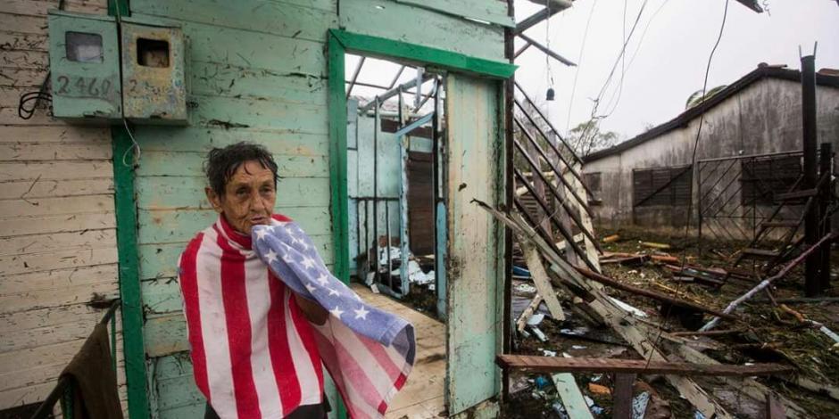 Régimen cubano vende agua potable a damnificados por Irma