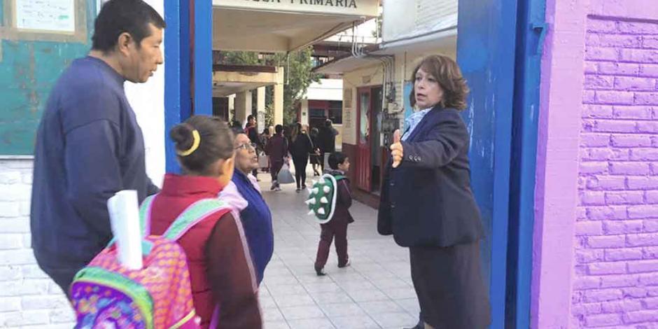 Escuelas en riesgo de CDMX ignoran restricción a abrir