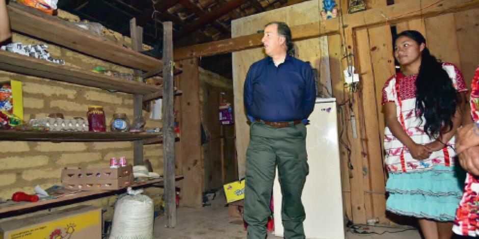 Entrega Meade  planta de agua en zona vulnerable  de Guerrero