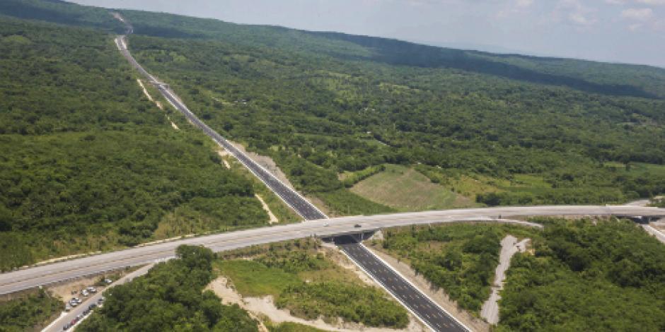 Huracanes y tormentas afectan estado físico de carreteras, señala SCT