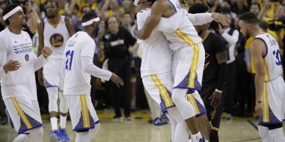 Warriors se coronan en casa al vencer en cinco juegos a los Cavs