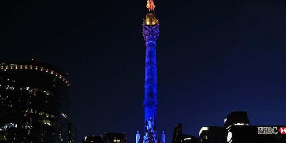 Iluminan monumentos de la Ciudad de México con colores de LGBTI