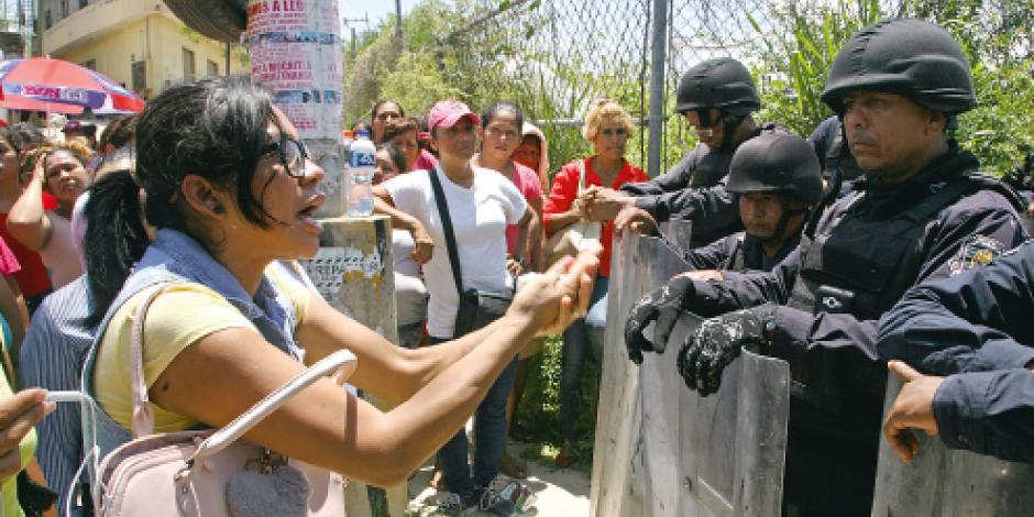 Riña entre grupos rivales en penal deja 28 muertos