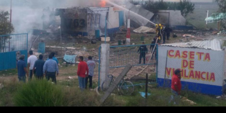 Reportan explosión en mercado de pirotecnia en Zumpango