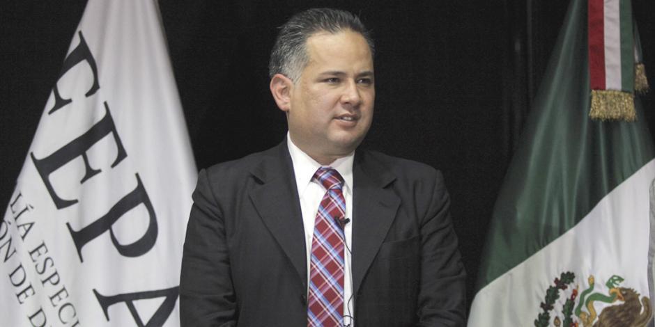 PGR destituye a Santiago Nieto; violó secrecía de investigación