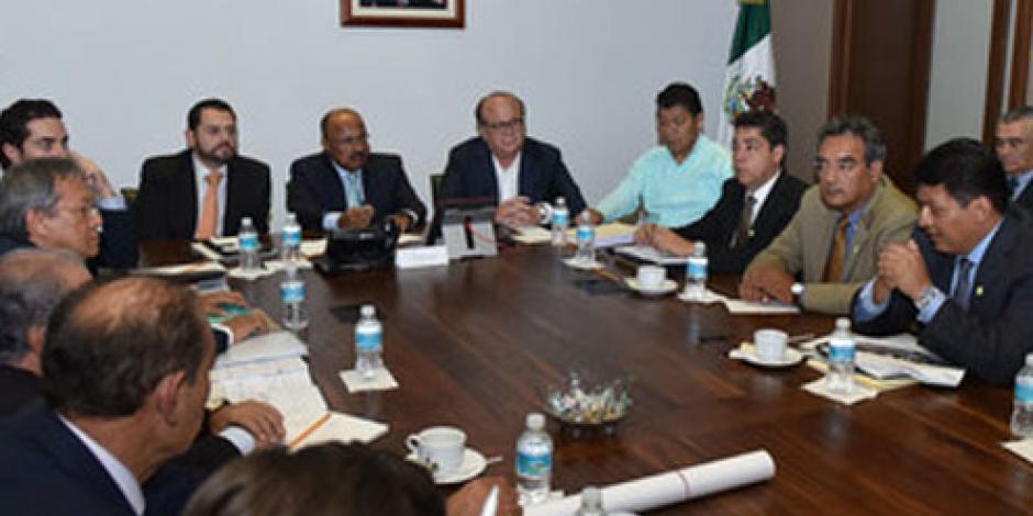 Acuerdan Segob y Morelos acciones conjuntas por socavón en Paso Exprés