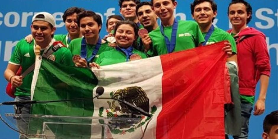 Ganan mexicanos medalla de bronce en Mundial de Robótica