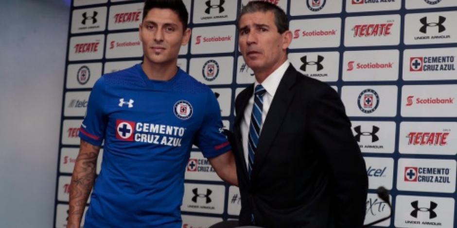 Cruz Azul presenta al argentino Alejandro Faurlín