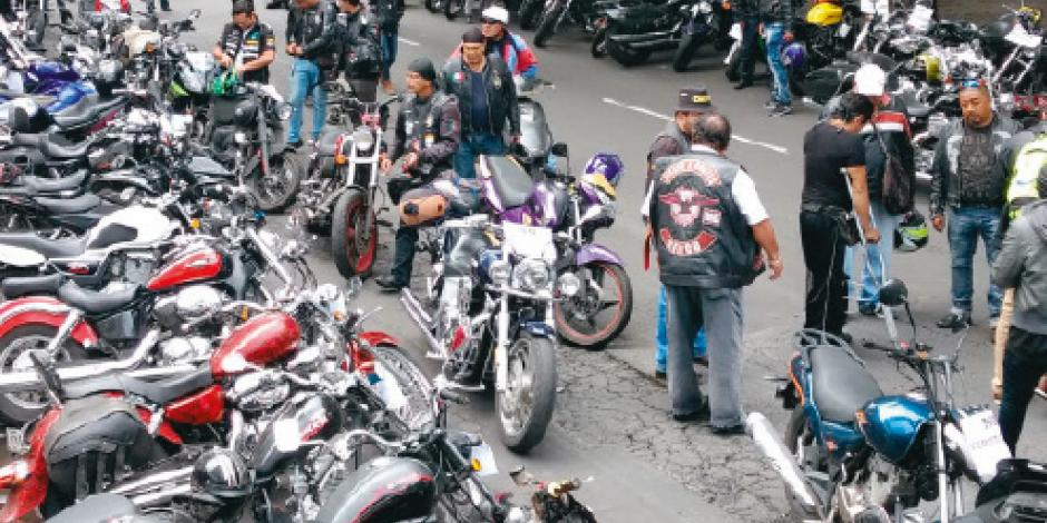 Motociclistas se resisten a verificación ambiental