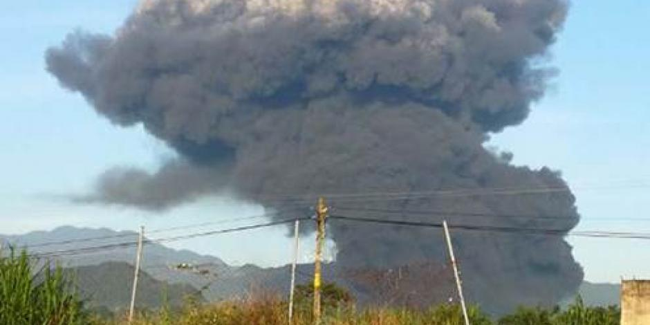 Explota ducto de Pemex en Zapoapan, Veracruz