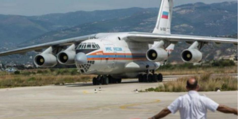 Avión ruso viene a México con alimentos y tiendas de campaña