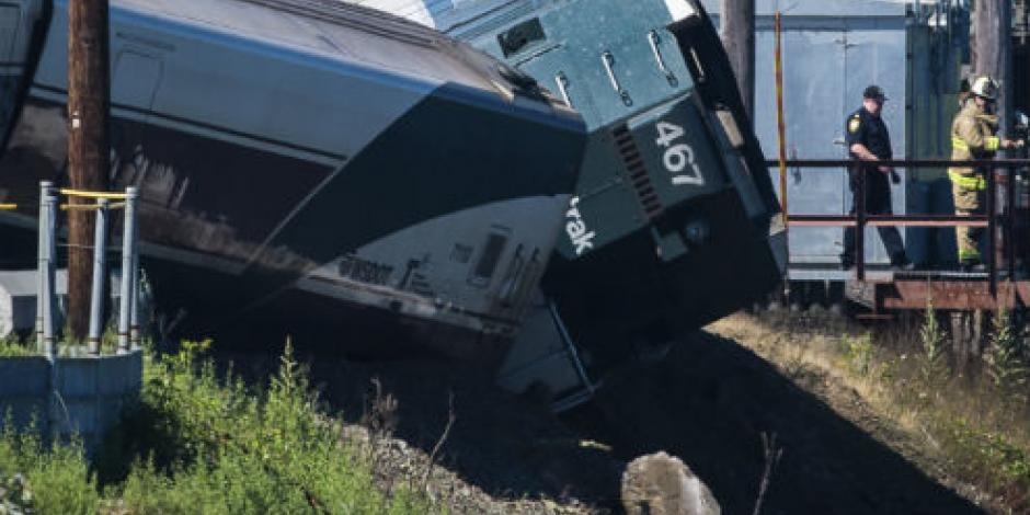 Descarrila tren en Washington; hay varios heridos