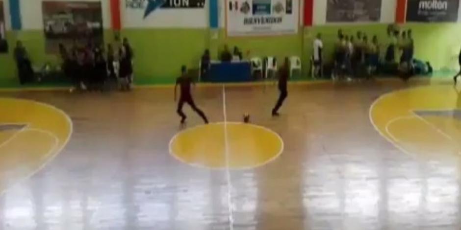 VIDEO: Tiroteo desata el pánico en un partido de basquetbol en Aguascalientes