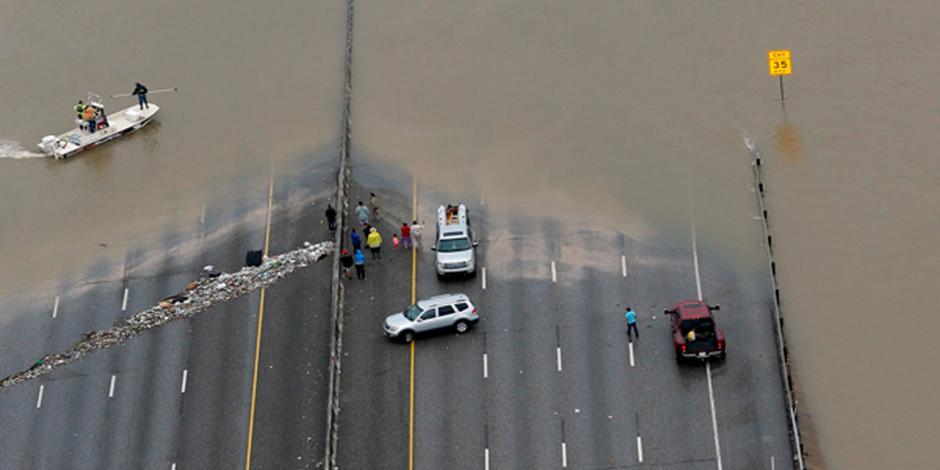 """Consulado mexicano en Texas asiste a afectados por """"Harvey"""