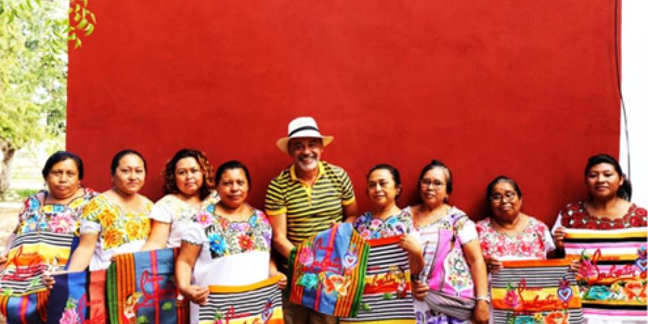 Bordados mexicanos cobrados en menos de 300 pesos son vendidos en más de 28 mil