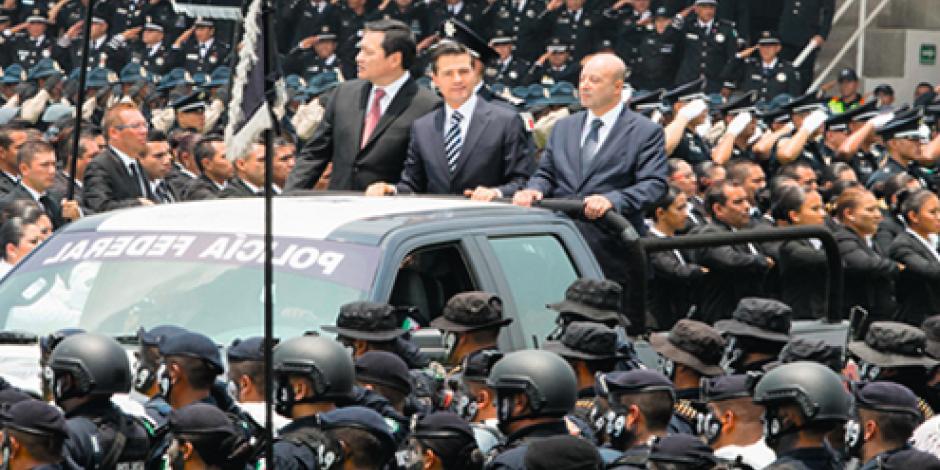 Reconoce EPN a policías caídos en lucha anticrimen