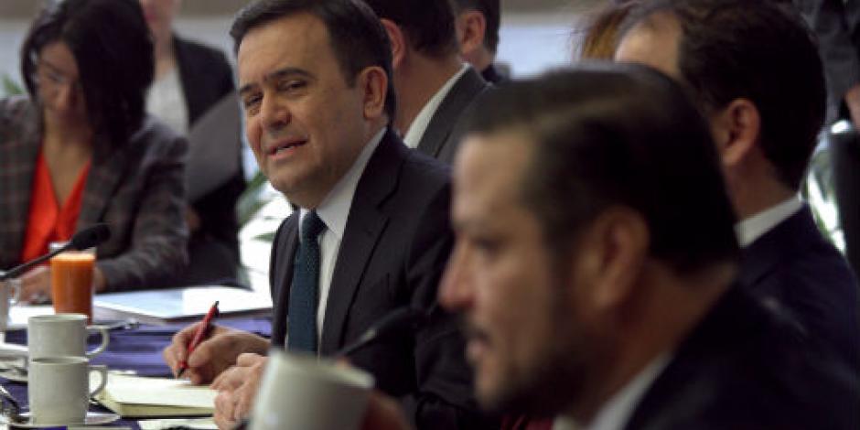 Guajardo y senadores discuten en privado renegociación del TLCAN