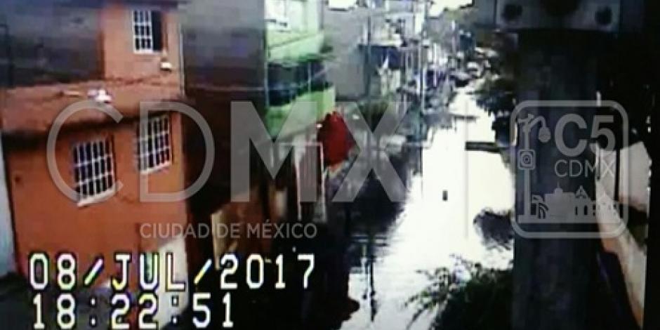 Atienden encharcamientos que dejó la lluvia al norte de la CDMX