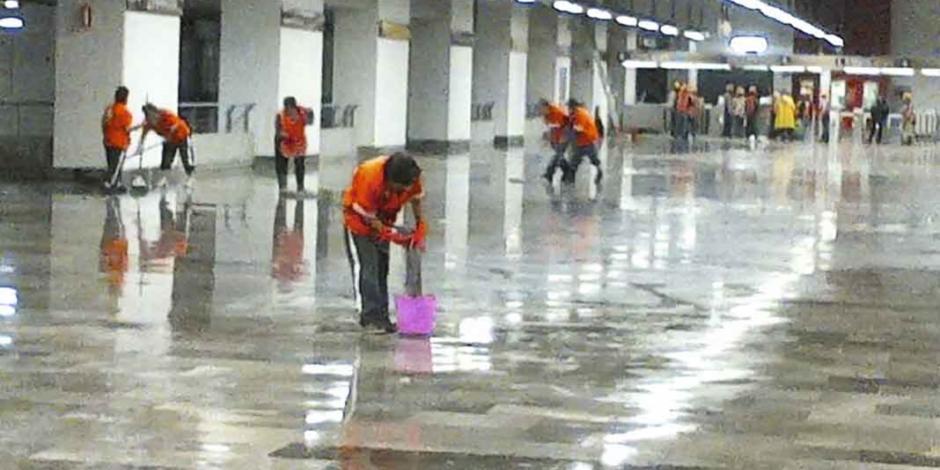 Lluvias exhiben otras fallas en la Línea 12 de Marcelo Ebrard