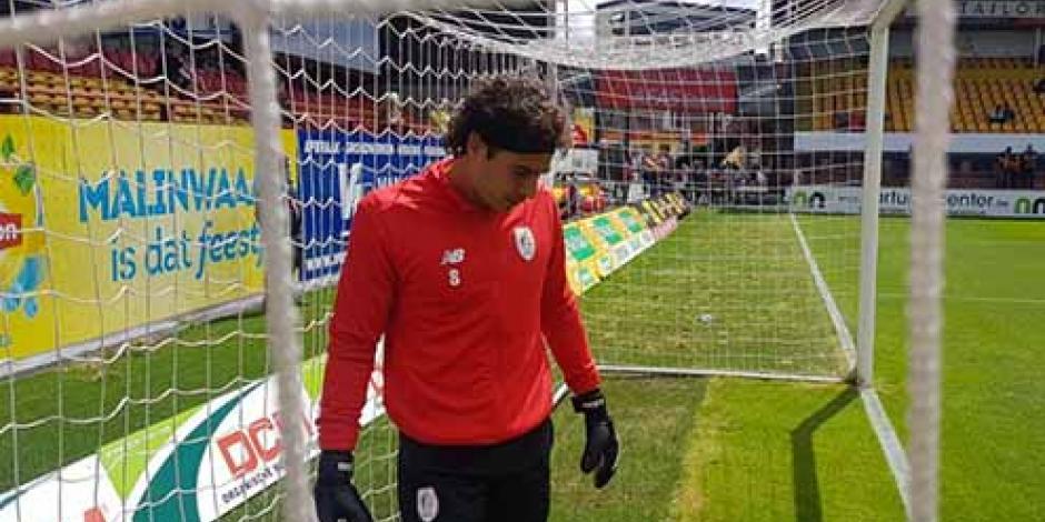 Memo Ochoa debuta con empate en la liga de Bélgica