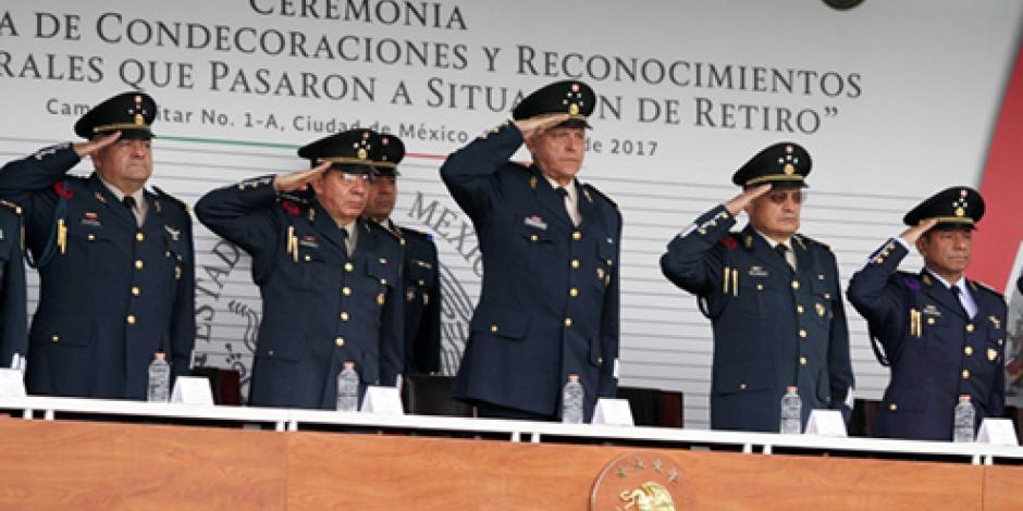 A partir de hoy 15 generales del ejército mexicano pasan al retiro
