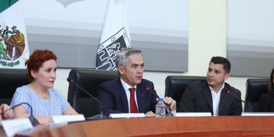 Miguel Ángel Mancera presenta la Agenda de Servicios para Jóvenes Binacionales