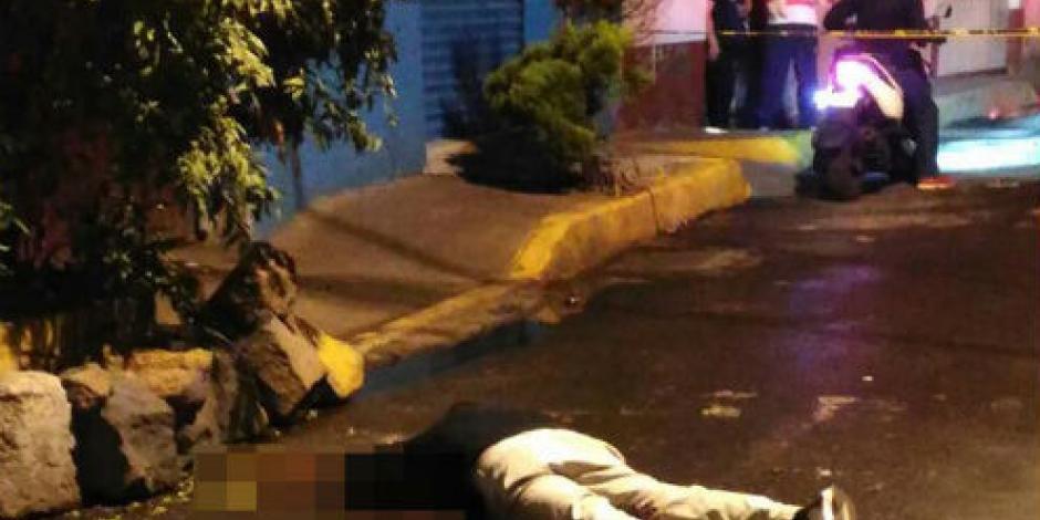 Triple homicidio en Iztapalapa; víctimas bebían en la vía pública