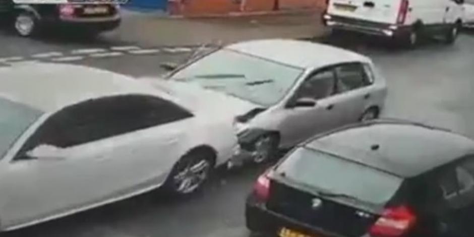 VIDEO: Choque entre dos autos genera risas en redes