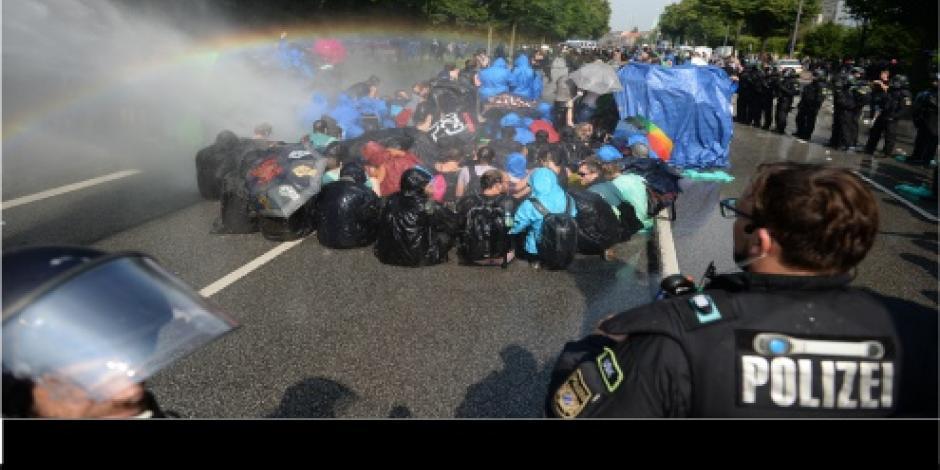 Activistas protestan en el primer día del G-20 en Alemania