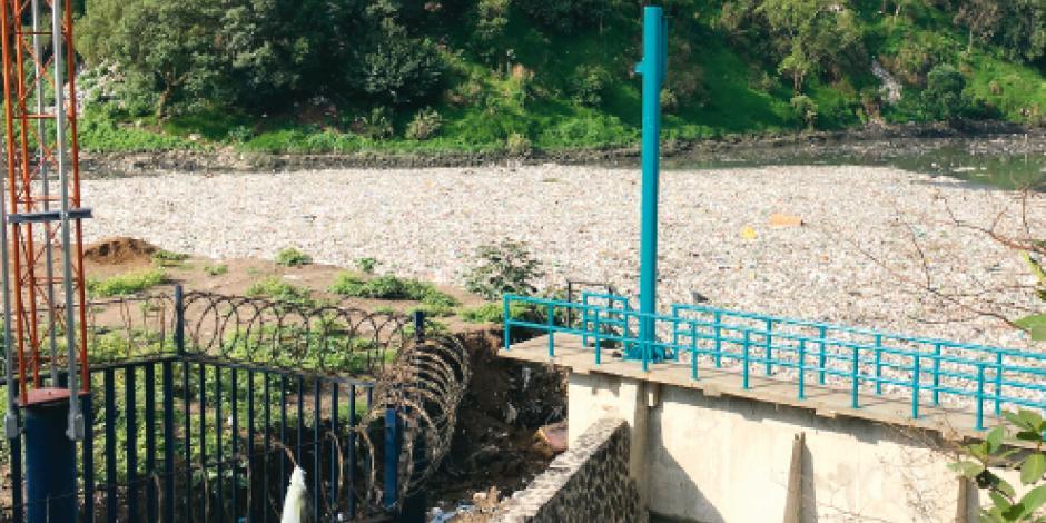 Vecinos convierten en basurero presa que evita inundaciones