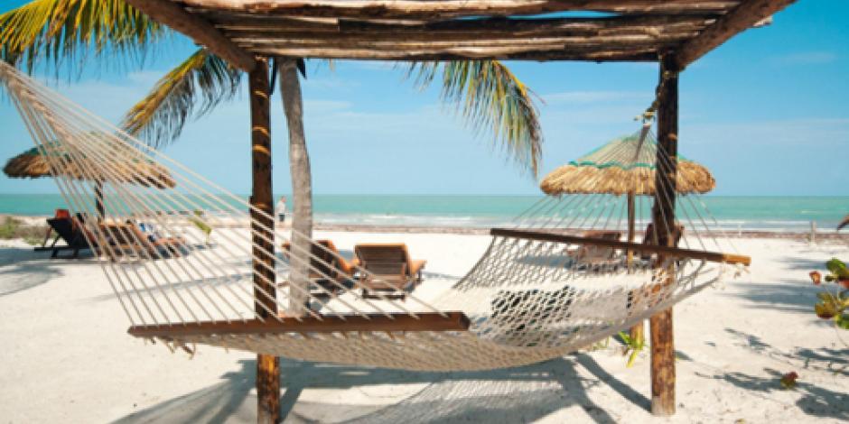 Hoteleros descartan cerrar Holbox; llegan a acuerdos con gobierno de Quintana Roo